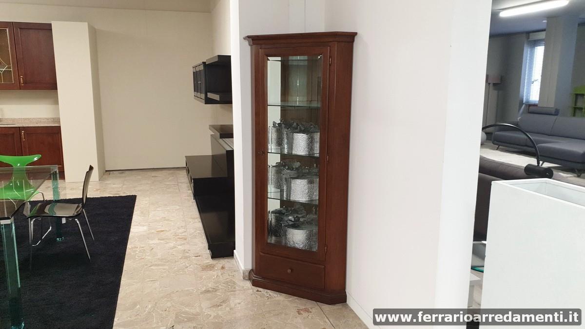 ANGOLIERA - € 740