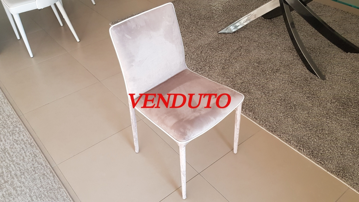N. 4 SEDIA - € 510